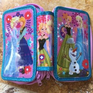 Disney Store Frozen Anna Elsa & Olaf pencil holder